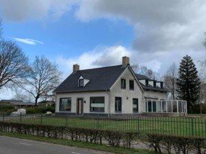 Vanaf de straat: nieuw dak en dakisolatie in Helvoirt