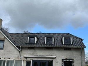 Vooraanzicht: nieuw dak en dakisolatie in Helvoirt